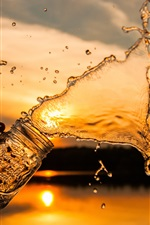 Preview iPhone wallpaper Water splash, glass cup, sunset