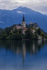 iPhone fondos de pantalla Bienvenidos a Eslovenia, isla, iglesia, lago, anochecer