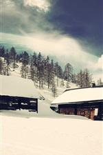 iPhone壁紙のプレビュー 木の家、雪、木、惑星、夢の世界、創造的なデザイン