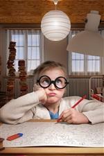 Criança, menina faz lição de casa, óculos, sala de livros, livros infelizes