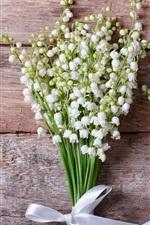 iPhone壁紙のプレビュー スズラン、白い花、花束、リボン