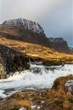 Pedras ponte, grama, montanhas, rio, nublado