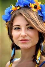 Ucraniana, menina de olhos castanhos, grinalda