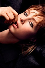 Preview iPhone wallpaper Edie Campbell 01