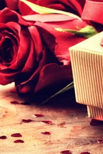 Preview iPhone wallpaper Gift, red roses, love heart, Valentine Day