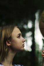 iPhone fondos de pantalla Chica mira mundo