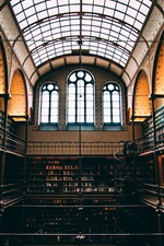 iPhone fondos de pantalla Interior de la biblioteca, muchos libros, ventana