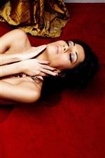 Nicole Scherzinger 33