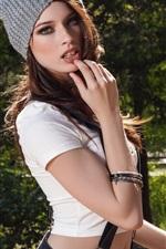 Caitlin Mcswain 01
