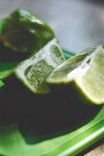 Preview iPhone wallpaper Cutting green lemon