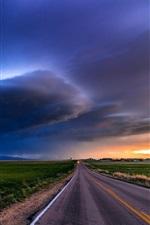 Rural, estrada, campos, nuvens, crepúsculo