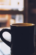 Preview iPhone wallpaper Black cup, table