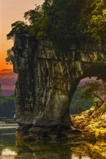 Preview iPhone wallpaper China, Guilin, Elephant Trunk Hill, river, rocks arch