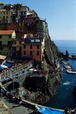 iPhone fondos de pantalla Cinque Terre, Manarola, Italia, costa de Liguria, rocas, mar, casas, gente