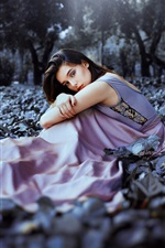 Girl sit on ground, nature, light