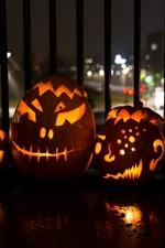 Preview iPhone wallpaper Halloween, pumpkin lanterns, city, night