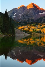 Preview iPhone wallpaper Maroon Lake, mountains, trees, water reflection, USA