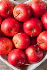 iPhone壁紙のプレビュー 赤いリンゴ、愛の心臓ボウル、布