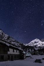 iPhone fondos de pantalla Montaña de Rila, Bulgaria, estrellado, cielo, casa, noche