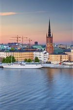 Preview iPhone wallpaper Stockholm, old town, yacht, river, dusk, Sweden