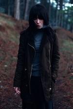미리보기 iPhone 배경 화면 검은 머리 소녀, 담배, 연기, 숲