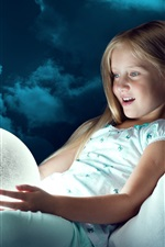 iPhone fondos de pantalla Muchacha del niño mira bola de luna, luz, alegría