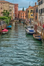 Preview iPhone wallpaper Italy, Venice, river, boats, houses, city