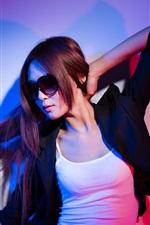iPhone fondos de pantalla Chica asiática, gafas, chaqueta