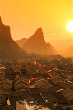 iPhone fondos de pantalla Hermoso paisaje chino, Guilin, casas, montañas, amanecer