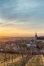 iPhone fondos de pantalla Francia, Alsacia, Blienschwiller, casas, campos, sol