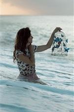 iPhone壁紙のプレビュー 女の子、海、蝶