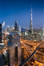 Emirados Árabes Unidos, Dubai, cidade noturna, arranha-céus, estrada, luzes