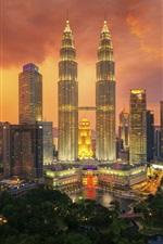 미리보기 iPhone 배경 화면 쿠알라 룸푸르, 도시의 밤, 고층 빌딩, 조명, 하늘, 구름, 말레이시아
