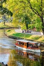 Letônia, Riga, rio, barco, parque, árvores