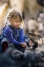 Preview iPhone wallpaper Lovely child girl feeding doves