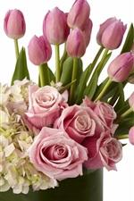 Muitas flores, hortênsias, lilás, rosas, tulipas