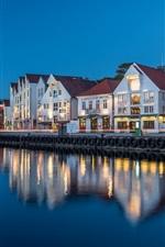 iPhone fondos de pantalla Noruega, Stavanger, Rogaland, casas, río, luces, tarde