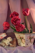 Red tulips, candles