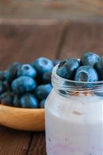 Yogurt, blueberries