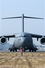 Preview iPhone wallpaper Boeing C-17 Globemaster III front view