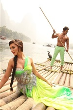 Indian movie, Amy Jackson, Vikram, river, bamboo raft