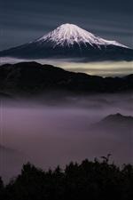 Япония, гора Фудзи ночью