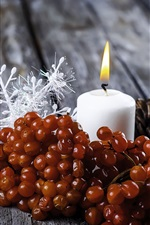 Preview iPhone wallpaper Berries, white candle, flame
