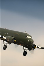 Preview iPhone wallpaper Douglas DC-6 plane flight
