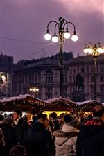 iPhone fondos de pantalla Milán, Piazza Duomo, árbol de Navidad, ciudad de noche, luces, personas, Italia
