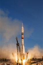 Preview iPhone wallpaper Soyuz TMA-19M rocket start to spaceflight