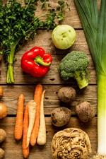 Legumes, cenouras, cogumelos, batatas, brócolis, couve-flor, pimentão