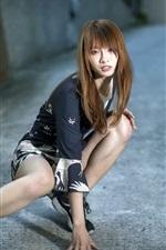 iPhone fondos de pantalla Chica asiática, pose, calle