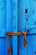 iPhone обои Синяя деревянная дверь, канат