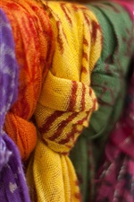 Preview iPhone wallpaper Colorful shawls